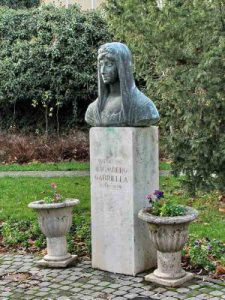 Baumberg Gabriella szobra